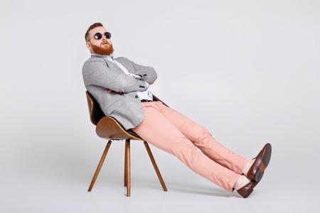 Photo pour beard man in suit - image libre de droit