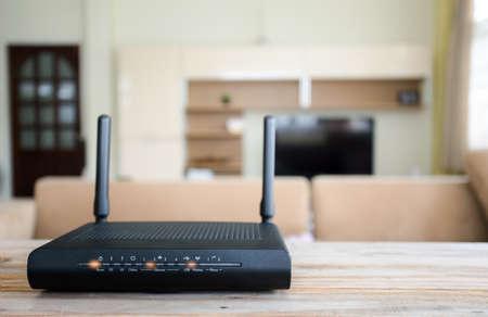 Photo pour closeup of a wireless router on living room at home - image libre de droit