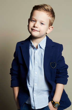 Photo pour fashionable little boy.stylish child in suit. fashion children.business kids - image libre de droit