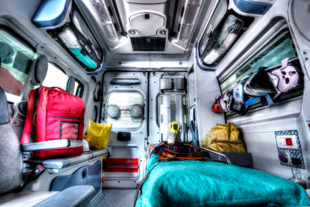 Foto de Interior of an ambulance rescue - Imagen libre de derechos