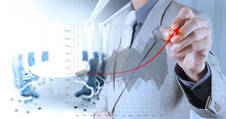 Foto de businessman hand draws business success chart concept on virtual screen - Imagen libre de derechos