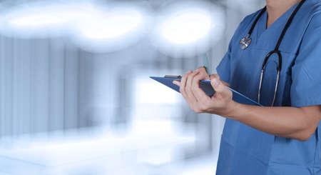 Foto de success smart medical doctor working with operating room  - Imagen libre de derechos