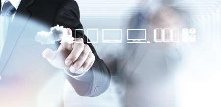 Photo pour Businessman hand working with a Cloud Computing diagram on the new computer interface as concept - image libre de droit