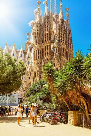 Foto de Barcelona, Spain - June 30, 2019: Sagrada Familia church in Barcelona. Church of the Holy Family. - Imagen libre de derechos