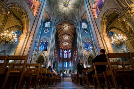 Foto de PARIS, FRANCE - February 15, 2018 : Interior of the  Notre Dame de Paris. France - Imagen libre de derechos