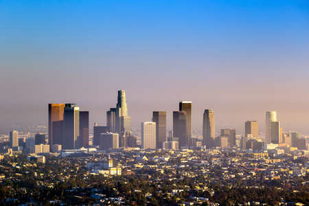 Foto de Downtown Los Angeles skyline at twilight CA. - Imagen libre de derechos