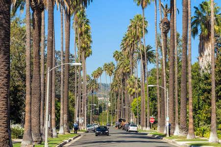Photo pour Streets of Beverly Hills, California - image libre de droit