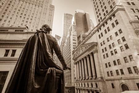 Foto de Wall street in New York City - Imagen libre de derechos
