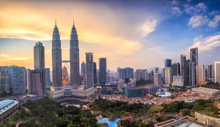 Foto de Top view of Kuala Lumper skyline at twilight - Imagen libre de derechos