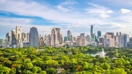 Photo pour Bangkok city skyline with Lumpini park  from top view in Thailand - image libre de droit