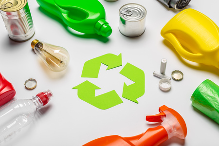 Photo pour Eco concept with recycling symbol on table background top view - image libre de droit