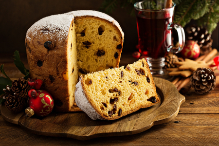 Foto de Traditional Christmas panettone with dried fruits - Imagen libre de derechos