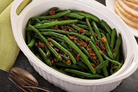 Foto de Green beans with bacon for Thanksgiving or Christmas dinner - Imagen libre de derechos