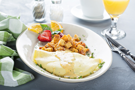 Photo pour Crab omelette with potatoes for breakfast - image libre de droit