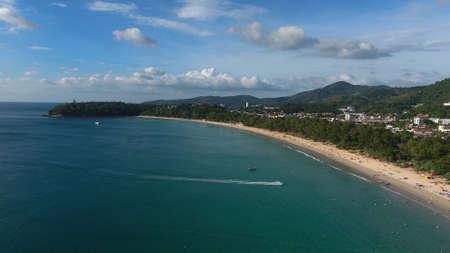 Foto de Fly over luxury beach in Thailand - Imagen libre de derechos