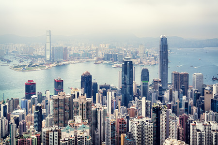 Foto de Hong Kong skyline view from the Victoria Peak. - Imagen libre de derechos