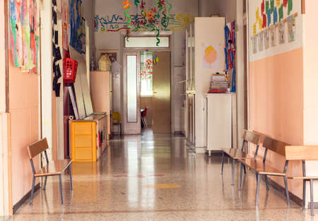 Foto de inside hallway to a nursery kindergarten without children - Imagen libre de derechos