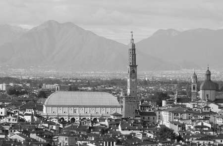 Foto de Wonderful view of VICENZA city in Italy and the famous monument called BASILICA PALLADIANA. This name comes from the Architect Andrea Palladio  with balck and white effect - Imagen libre de derechos