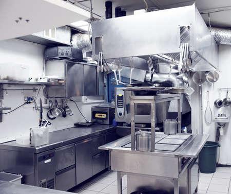 Photo pour Typical kitchen of a restaurant, toned - image libre de droit