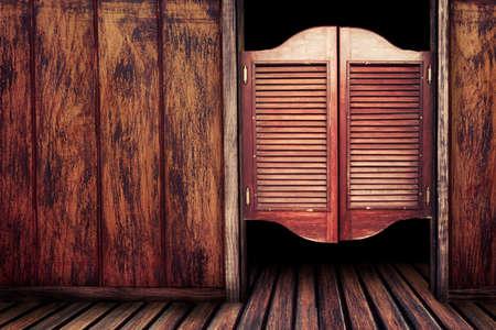 Photo pour Old western swinging Saloon doors - image libre de droit