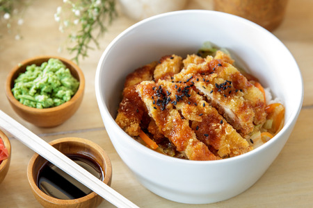 Photo pour portrait of japanese food chicken katsu don served with soy sauce and wasabi - image libre de droit