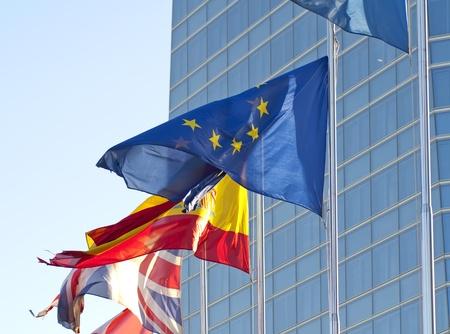 Photo pour Flags of the European Union, Spain and Britain - image libre de droit