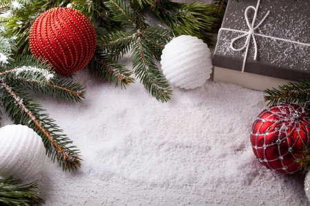 Foto de Christmas decorative elements on a wooden table - Imagen libre de derechos