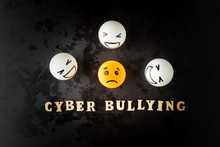 Photo pour internet bullying or cyber bullying - image libre de droit