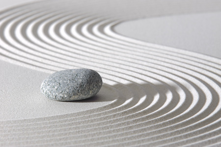 Photo pour Japanese ZEN garden with stone in sand - image libre de droit