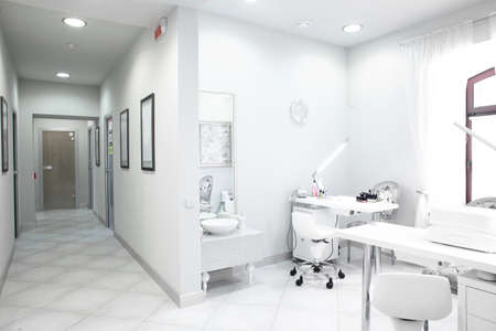 Foto de brand new and empty european luxury medical clinic - Imagen libre de derechos