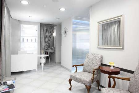Foto de brand new and empty european luxury medical clinic - Imagen libre de derechos