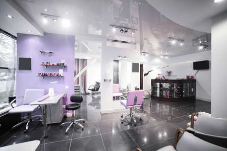 Foto de brand new interior of european beauty salon - Imagen libre de derechos