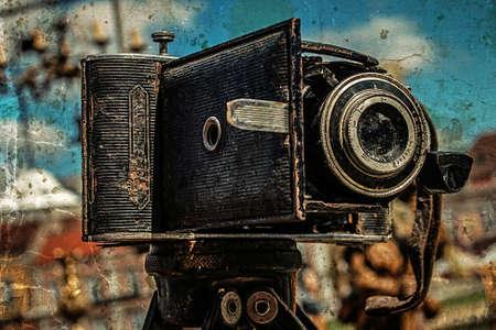 Foto de Old photo with old photo camera. Antiques Fair in Timisoara, Romania. Vintage processed. - Imagen libre de derechos