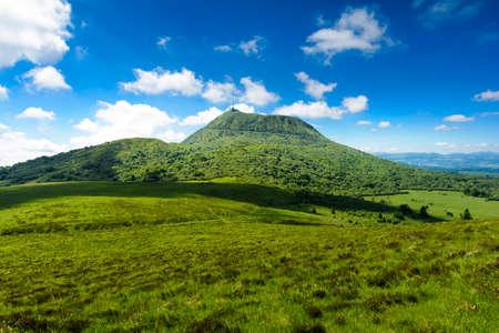Photo pour Puy de Dome mountain and Auvergne landscape, France - image libre de droit