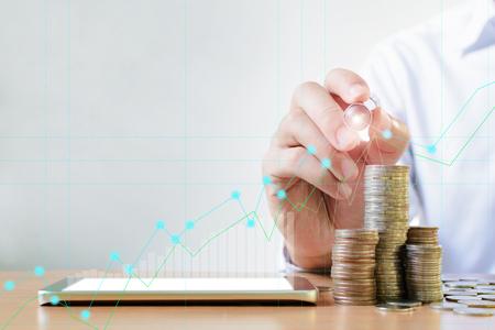 Foto de Finance and Investment concept.Money management and Financial chart - Imagen libre de derechos