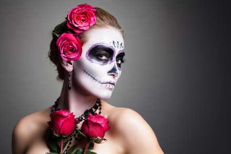 Photo pour attractive woman with sugar skull make up - image libre de droit