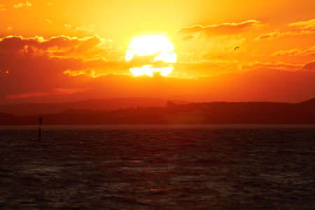 Foto de The sun sets over Lake Constance. - Imagen libre de derechos