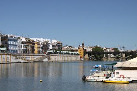 Foto de Isabella II Bridge in Seville - Imagen libre de derechos