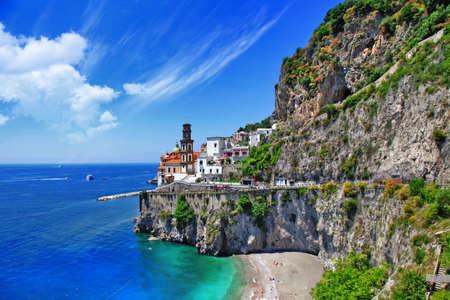 Foto de scenic Amalfi coast, Atrani village - Imagen libre de derechos