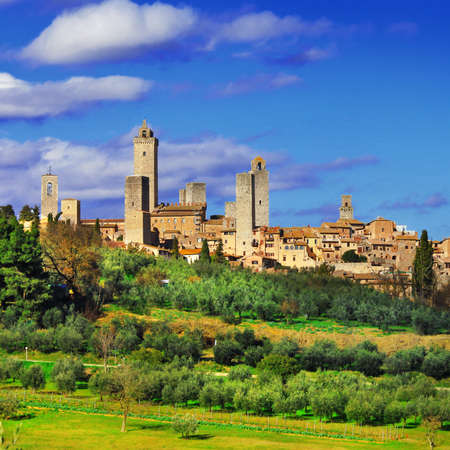 Photo pour San Gimignano - beautiful medieval town in Tuscany, Italy - image libre de droit