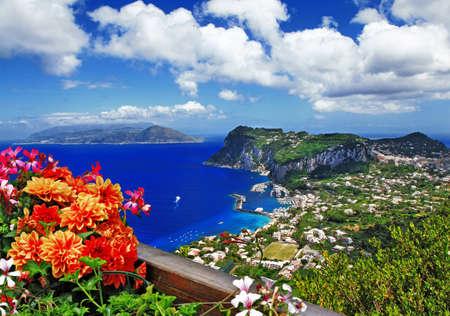 Foto de scenic Capri island, Italy - Imagen libre de derechos