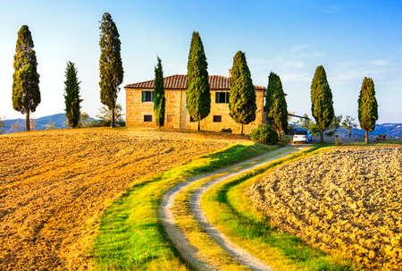 Photo pour traditional landscapes of Tuscany, Italy - image libre de droit
