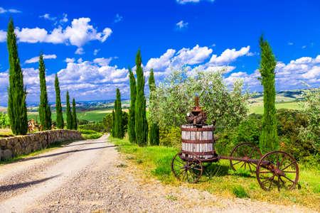 Photo pour traditional landscapesof Tuscany, Italy - image libre de droit