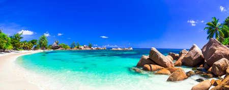 Foto de most beautiful tropical beaches - Seychelles, Praslin island - Imagen libre de derechos