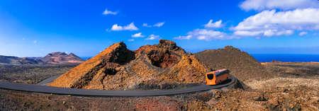 Photo pour Impressive Timinfaya National Park, volcanic landcsape, Lanzarote island, Canary, Spain. - image libre de droit