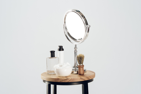 Photo pour Composition of mirror and shaving set. Still life. Men shaving concept. Isolated on white background. - image libre de droit