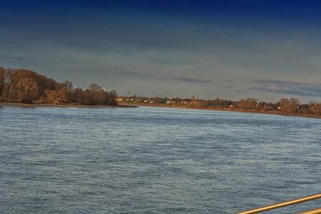 Foto de View towards Krefeld on the Rhine near Düsseldorf district Kaiserwerth. - Imagen libre de derechos