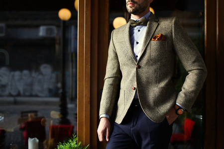 Photo pour Urban smart casual outfit man. Vintage look - image libre de droit