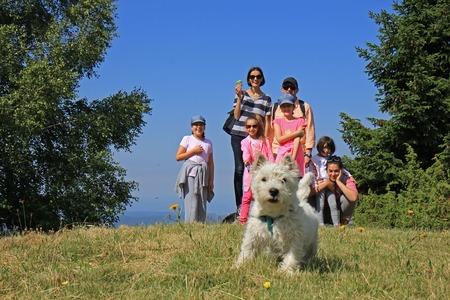 Foto de Family on the hiking - Imagen libre de derechos