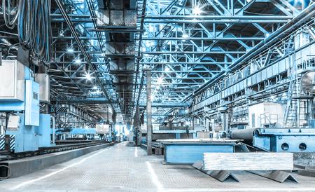 Foto de Machine shop of metallurgical works indoors room - Imagen libre de derechos